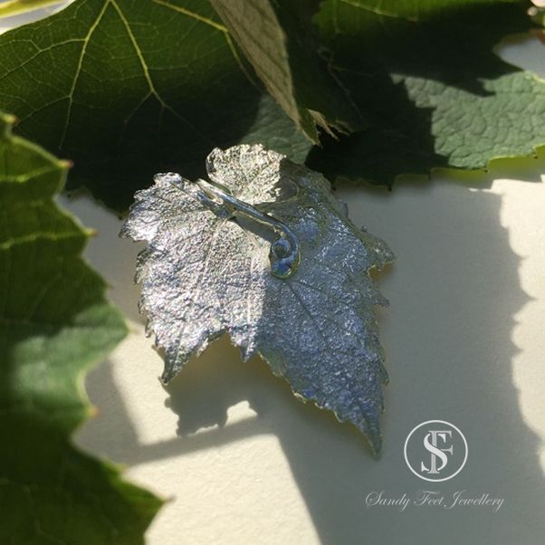 Vine Leaf with Double Tendril Pendant